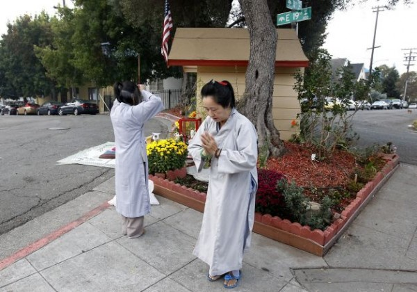 """Buddha seems to bring tranquility to Oakland neighborhood"""